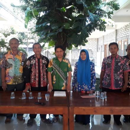 Foto Bersama Perangkat Desa Dan Dinas